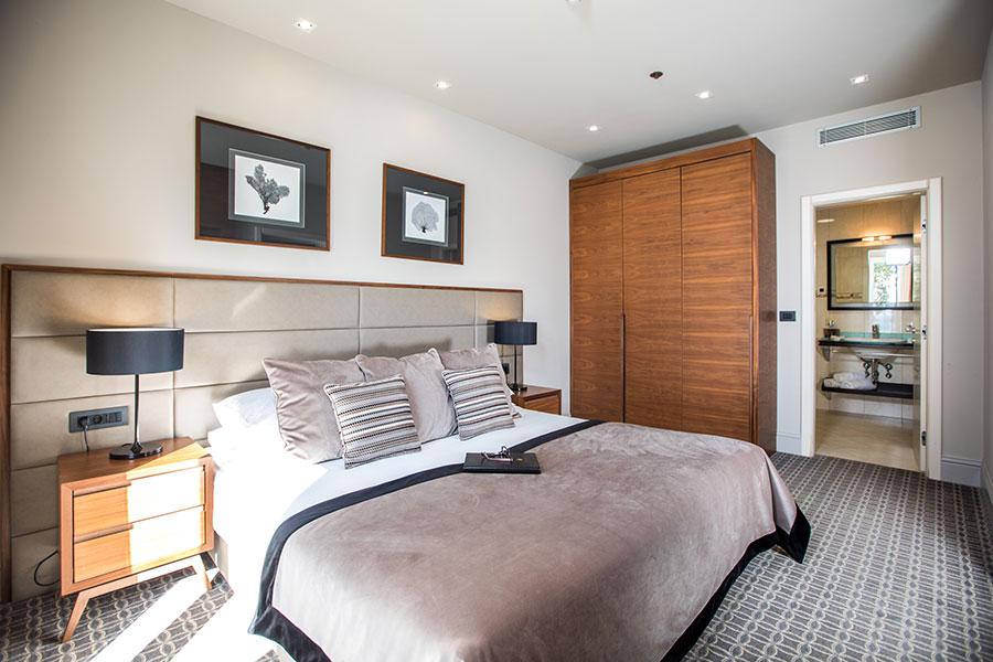 Hotel-Ariston_Luxury-Suite-with-Balcony-Sea-View_3